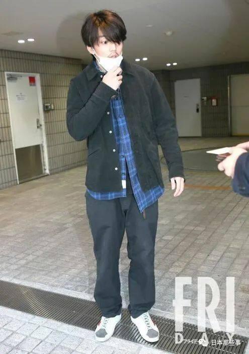健太郎 山本 舞香 伊藤 伊藤健太郎の逮捕で号泣…交際報道・山本舞香の憔悴ぶり