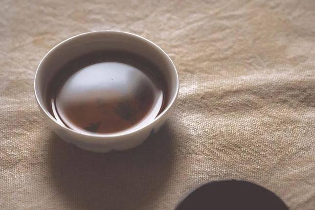 相比下來,日本茶可稱為「修行茶」